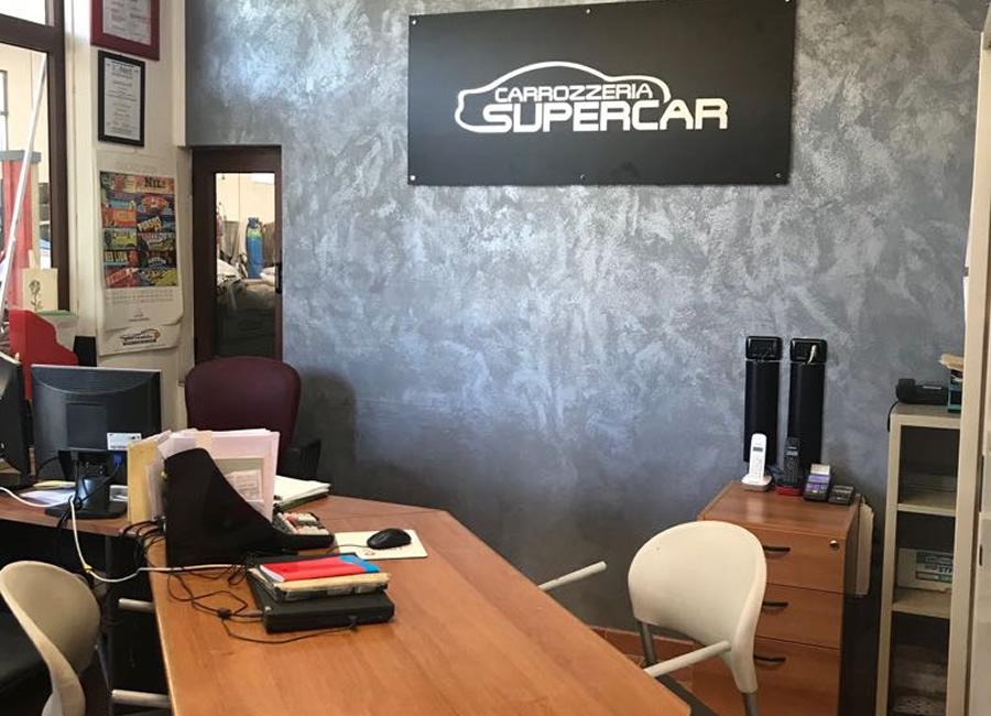 Uffici carrozzeria supercar